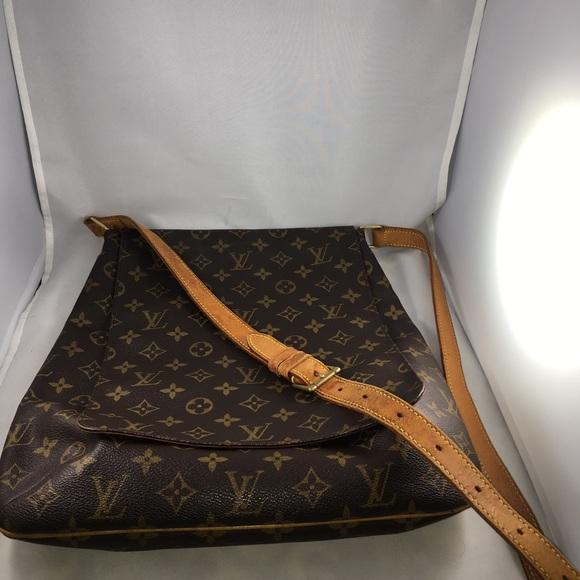 f2573b565f93 Louis Vuitton Handbags - Authentic Louis Vuitton Musette Salsa GM